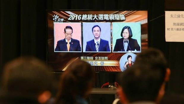 總統電視辯論,媒體提問四打一?