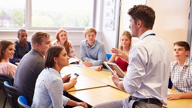 外籍生上課聽不懂德文,同學也不會主動幫忙...楊照:這是德國對人的一種尊重