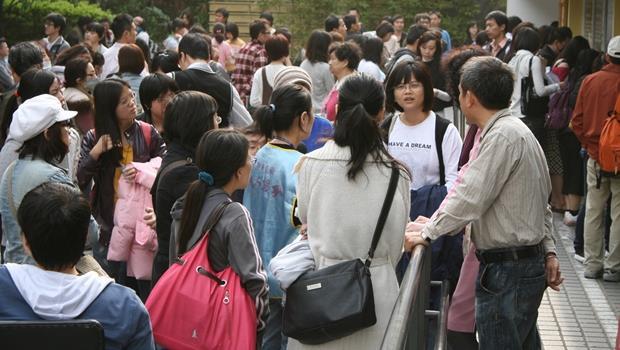 大巨蛋要疏散人潮應該裝一台!TOSHIBA推出可準確計算人數的攝影機