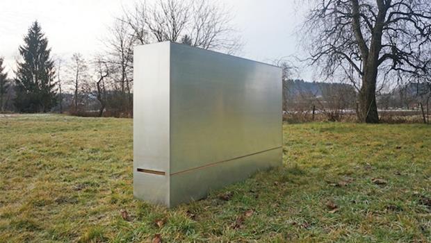 搬家不用再找搬家公司!這款旅行箱就能裝進床、桌、椅,搬完還能當櫃子