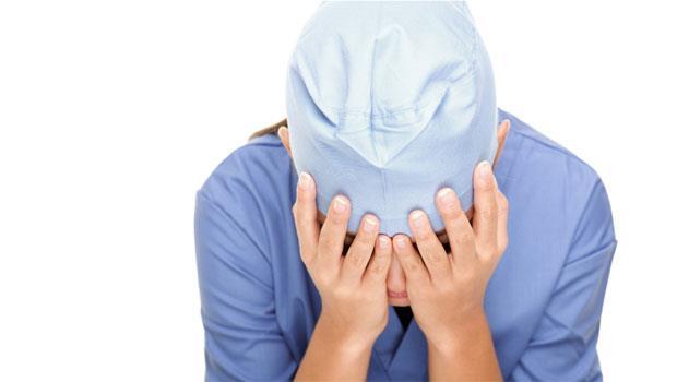 醫院馬桶不通、菜不好吃…通通找我們!一個護理師的怒吼:互相尊重好嗎台灣人