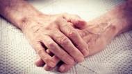怕老了又病又殘,沒人照顧...老後的保險該買多少額度,保障才夠?