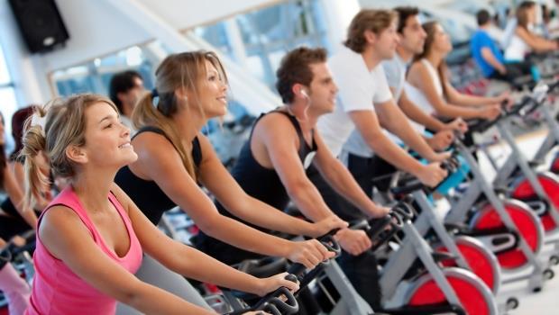 你喜歡重訓還是有氧?兩個關鍵問題,教你挑健身房不踩雷(同場加映三大健身房的比較)