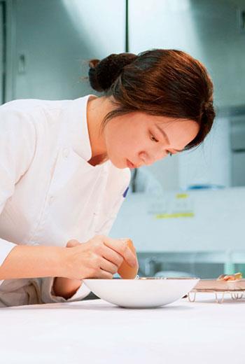 連續兩年拿下「亞洲五十最佳餐廳」獎項的主廚 陳嵐舒