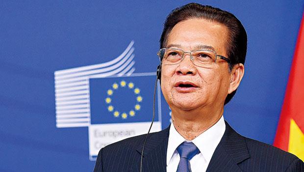 「 絕不拿主權換虛假和平」, 阮晉勇雖曾在中國留學,但在南海問題卻主張對中國強硬。