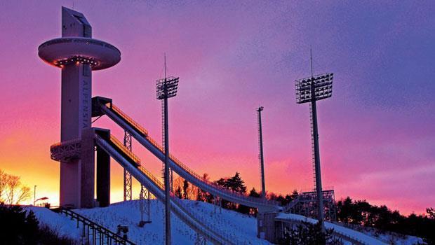 Alpensia的旅客可享受多種設施,專業選手使用冬奧比賽跳台