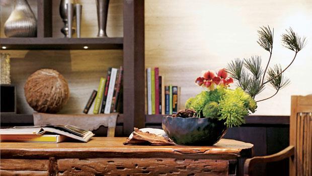 綠色調的花藝布置,符合書房沉靜、人文的感覺。