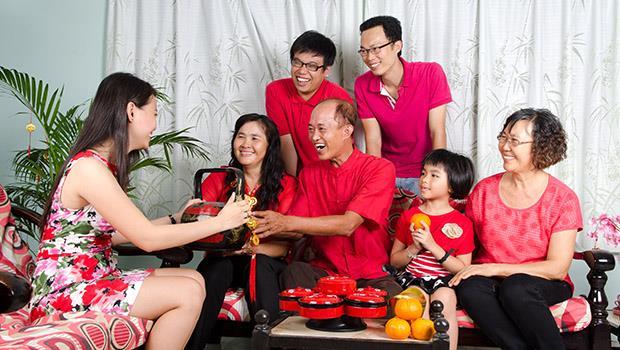 除夕必須團圓、初二一定要回娘家...荷蘭爸爸:台灣人過年好像在「盡義務」