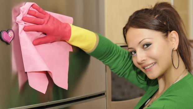 買年菜前先打掃冰箱吧!日本最強家事顧問:8個小工具把細菌汙垢清光光