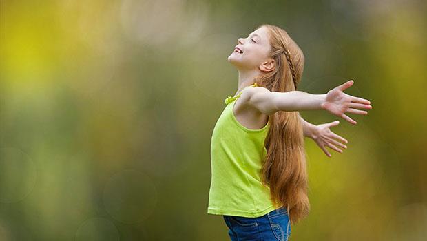 《科學》期刊:83個國家、超過5千人實驗證明的「快樂秘方」竟然是... - 商業周刊