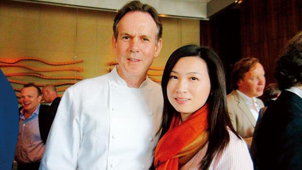 美國名廚湯馬斯.凱勒(左)帶給陳嵐舒(右)許多影響。