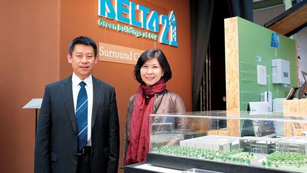 台達電6 年前展開品牌計畫,在執行長鄭平(左)、品牌長郭珊珊(右)帶領下,不只登上聯合國舞台,品牌事業營收也因此成長近3 倍。