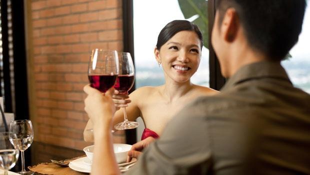 大多數男生的困擾:約會一直請女生吃飯是被當凱子嗎?兩性作家教你一招判斷