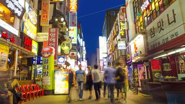 韓國人覺得「忙碌才是榮譽象徵」...一個在三星工作台灣人:時間反而都花在抽煙、喝咖啡