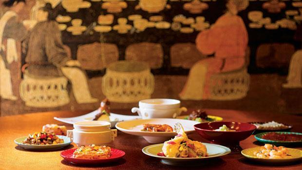 康雍乾三帝的飲食有肉有豆腐更有菜蔬,精緻卻也有所節制,呼應現代人的均衡飲食觀。