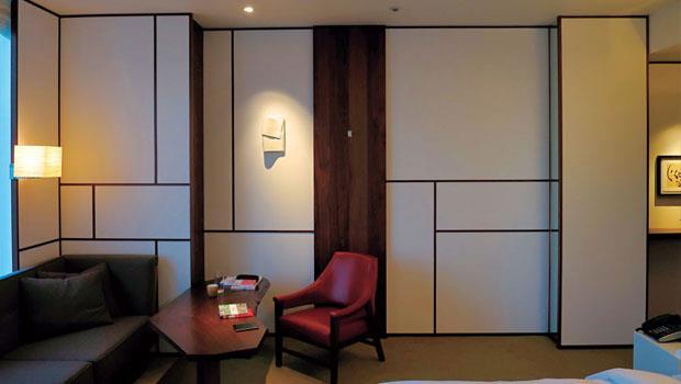 旅店運用現代設計手法與燈光,表現日本傳統文化的內涵,既大方又細膩。