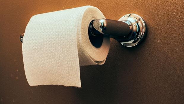 路上發的面紙,小心傷肝腎!毒物專家教你選購5招:衛生紙要這種顏色才好