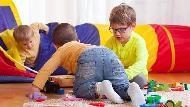 玩具是「性別歧視」無形的兇手!TED:11歲男孩竟因為喜歡玩「彩虹小馬」被霸凌...