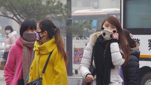 PM2.5看不到!這款最新空氣檢測儀,可隨身攜帶還會連結手機提醒你