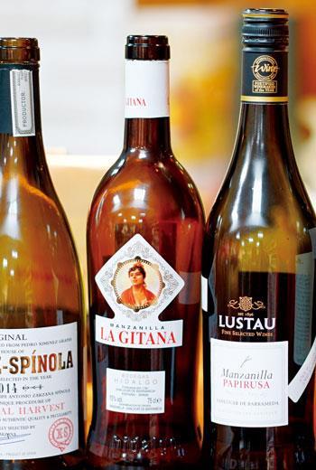 由Bodegas Hidalgo酒廠所釀造的Manzanilla類型雪莉酒。輕柔可口的La Gitana是當地最受歡迎的Manzanilla。