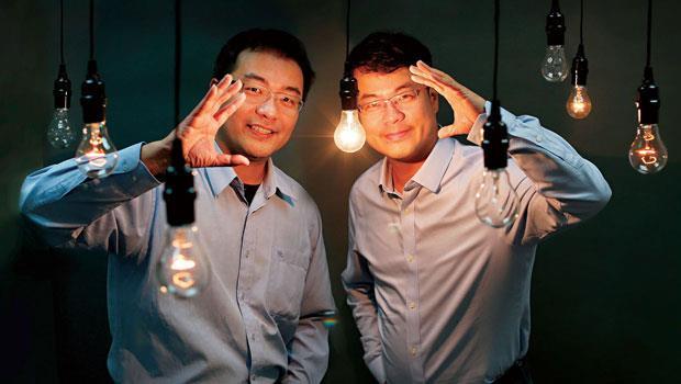 郭書齊(右)、郭家齊(左)地圖日記、創業家兄弟創辦人