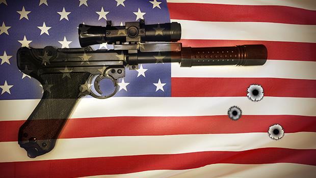 買槍比申請信用卡還容易》一年死了100多人,為什麼美國就是無法「禁槍」? - 商業周刊