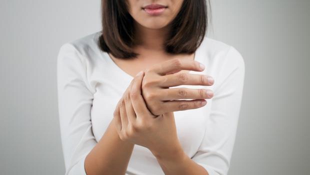 喝完水還是渴、左右手同時麻麻的?第一時間揪出「糖尿病」的7大徵兆