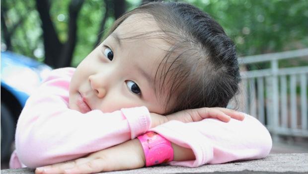 女兒真的天生貼心嗎?荷蘭爸爸:體貼,是後天教養的結果!