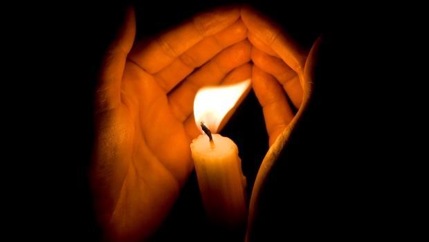 為什麼我們對隨機殺人這麼無力?因為社會總是用「宗教」般的方法紓解傷痛