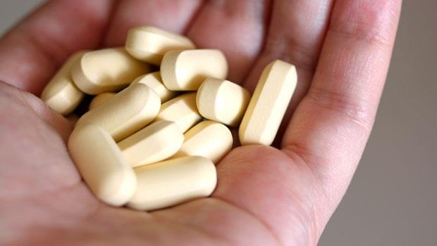 天天吃維他命抗疲勞?小心補過頭易罹癌!補鐵、補B群,這樣做才對
