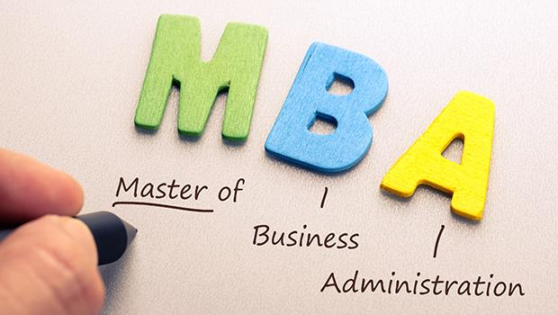 填鴨式教學、外籍商業人士不多、密集排課品質差...你不知道台灣「國際MBA」的真相