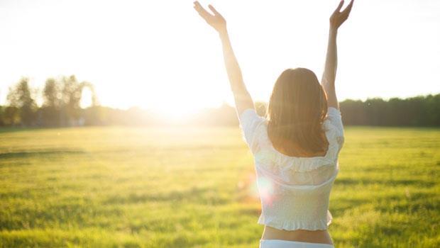 找到了!冬天感冒的兇手:「少曬太陽」讓你的抵抗力變弱!7種食物補充維生素D