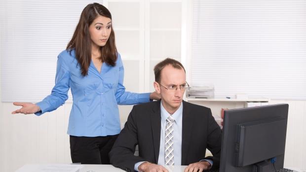 「主任,不好意思,你現在有空嗎?」請問這樣跟主管講話,錯在哪裡 - 商業周刊