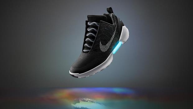 還記得「回到未來」的自動綁鞋帶球鞋嗎?NIKE宣布這次真的要開賣了