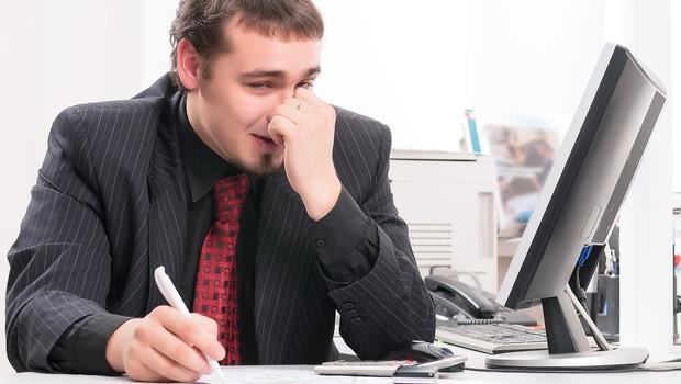 應徵行政助理, 卻被叫去賣保險》遇到這種企業,用這招讓你順利脫身