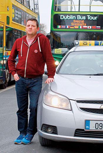 38歲計程車司機詹姆士說,雖然愛爾蘭經濟好轉,但他的房子現值仍低於買價,淨收入也還未恢復從前水準。