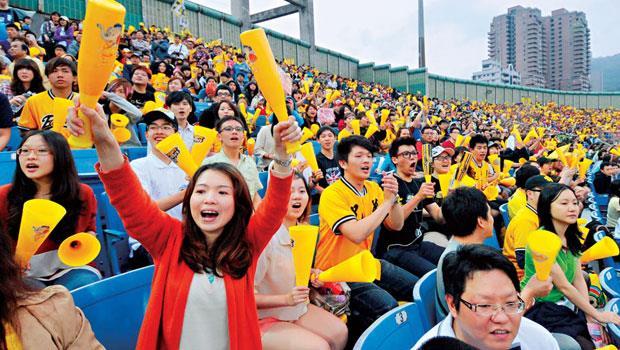 中信金接管中信兄弟後,品牌觸及大批年輕球迷,提升年輕族群的好感度。