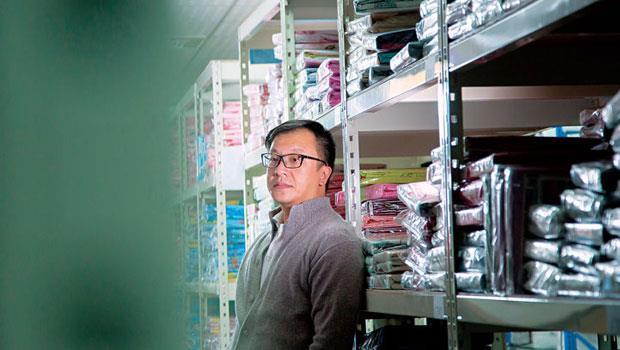 電商圈打滾11 年,戀家小舖董事長李忠儒說,他已脫離需要育成階段,但若台灣政府不重視電商產業,後進創業家將更艱辛。