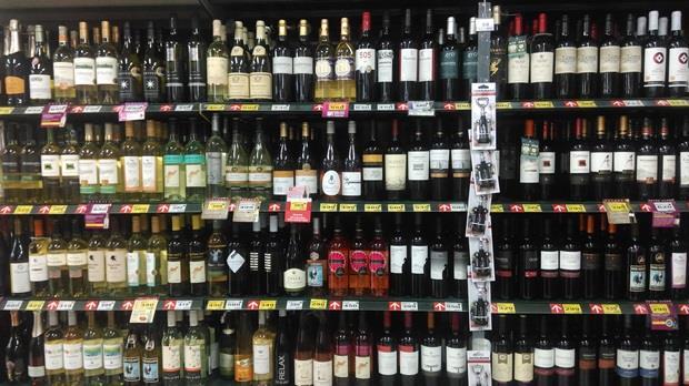 大賣場也有好酒!家樂福五款紅白酒精選推薦,不知道就太可惜了