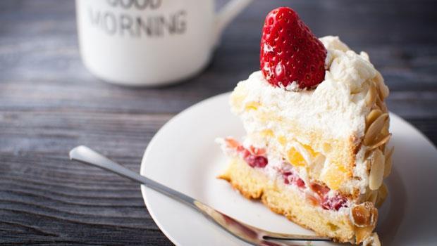愛吃蛋糕餅乾,竟會造成「乾性膚質」!營養師:多吃這種食物改善痘痘粉刺