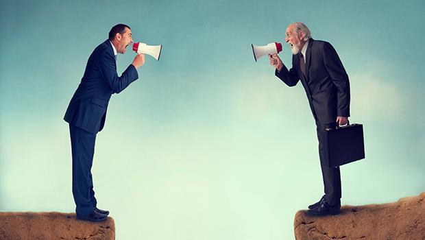 不管哪間公司,「組織鬥爭」永遠跟你有關係!不想選邊站,你可以這麼做⋯