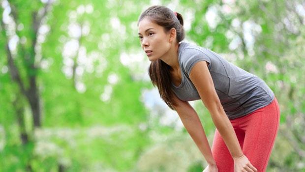 運動完老是全身痠痛?花3分鐘這樣「拍打身體」,放鬆肌肉不再痛!