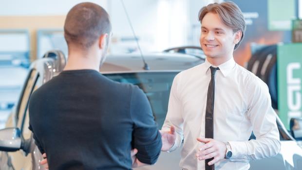 神人級業務員98%簽約率的秘密:用「一頓飯的熱量」聆聽客戶說話 - 商業周刊