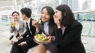 """還在問老外""""Lunch together?""""外國人其實不這麼說,原因是..."""
