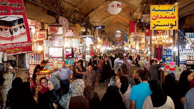 伊朗的市集(Bazaar)是採買當地名產的好去處,但在金融制裁期間,外國人無法使用國際信用卡在當地刷卡。