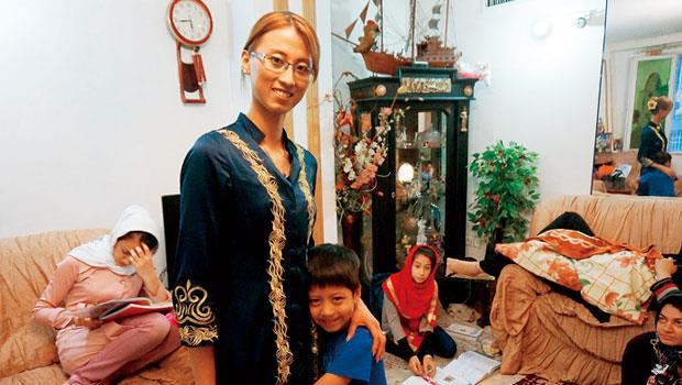 即便吳嘉琪對兒子Iman的教育很嚴格,Iman卻總是黏著媽媽。