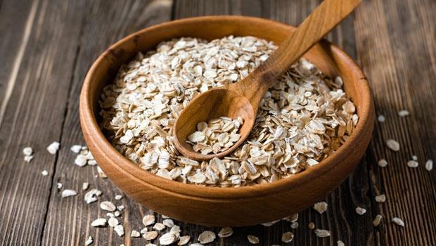 養生的燕麥片,卻被驗出農藥超標!一天吃一碗會致癌嗎?營養師有解....