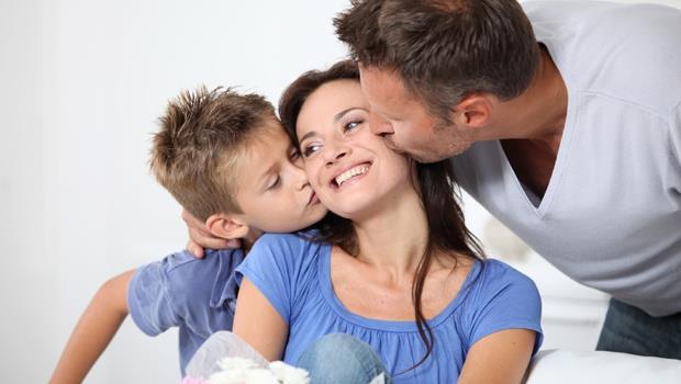 別再送廚具、保養品!老公們必看:10種讓老婆感動一輩子的母親節禮物
