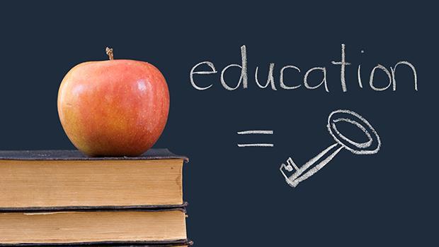 忽略資優生、資源都給功課差的學生...荷蘭教育「把孩子拉到同一個起跑點」,下場卻是...