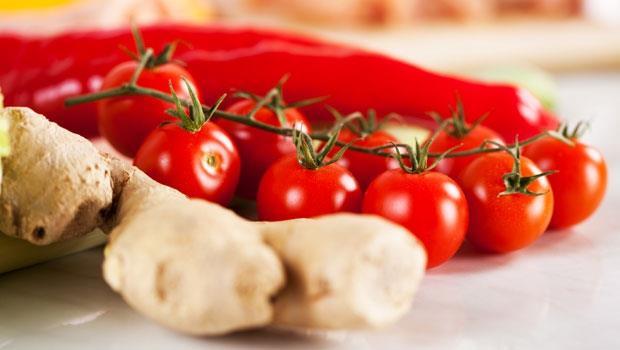 肥人多痰,瘦人多火!生薑、番茄排濕祛燥,調好體質不再胖
